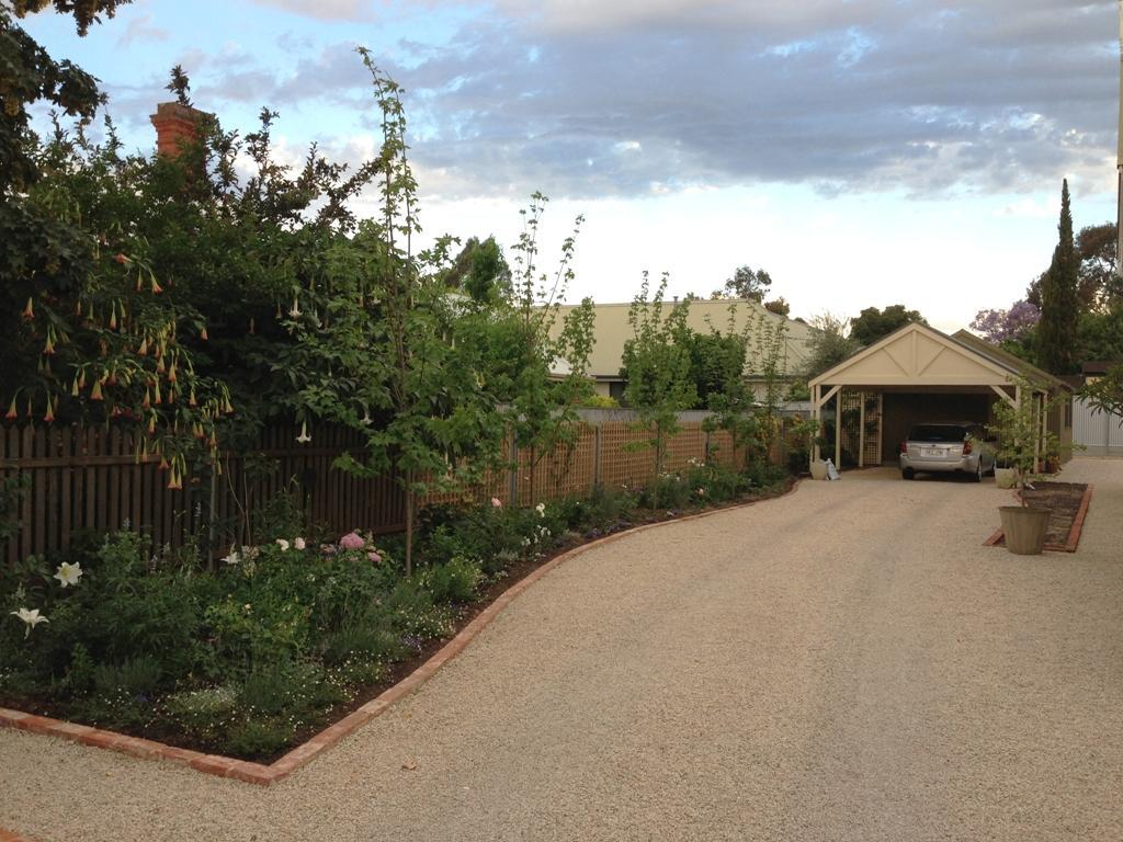 Exterior designs of adelaide pty ltd exterior designs of for Landscape design jobs adelaide