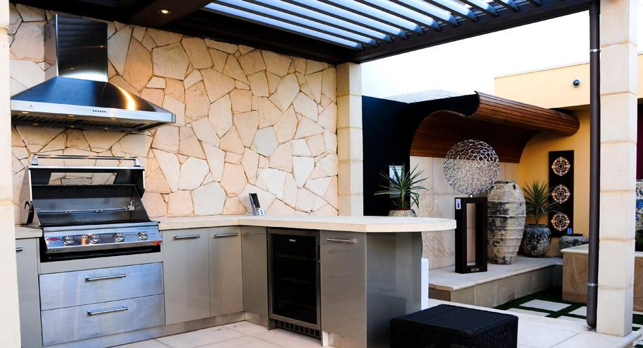 10 best outdoor kitchens for Outdoor kitchen wall ideas
