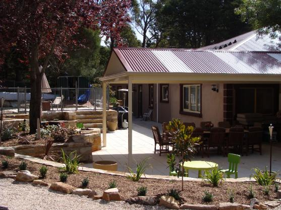 Get inspired by photos of outdoor living from australian for Landscape design adelaide hills