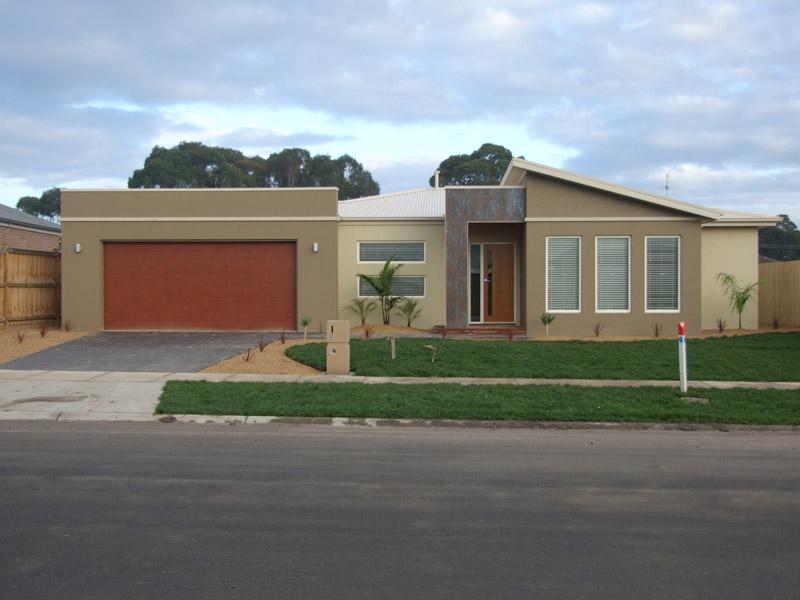 Entrance Designs by Kingbuilt Homes