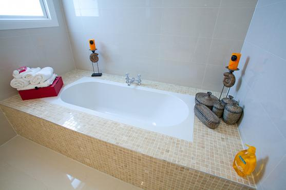 Bath Designs  by Eco Sure Homes Pty Ltd