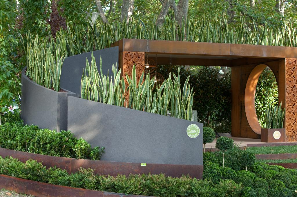 Top 10 landscaping ideas for your home for Punch home and landscape design won t install