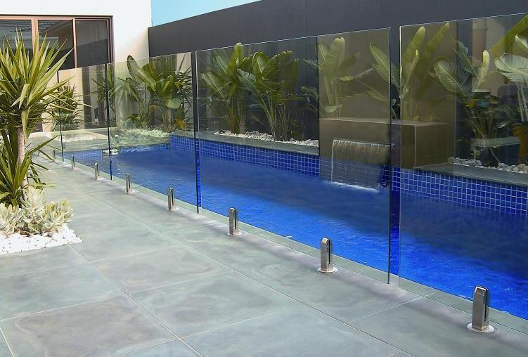 Pool fencing inspiration pool glass fencing australia for Inspiration pool cleaner