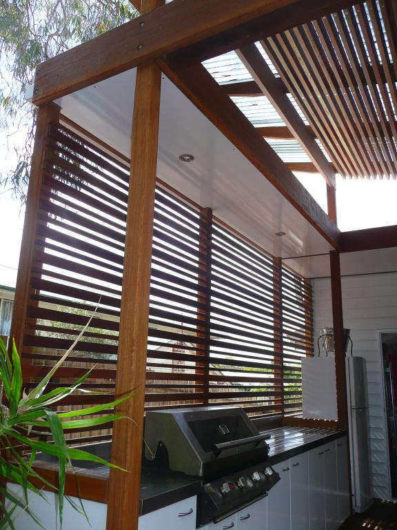 Privacy screens inspiration henarise pty ltd australia for Creative ideas for outdoor privacy screens