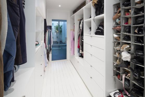 Walk In Wardrobe Design Ideas by Henarise Pty Ltd