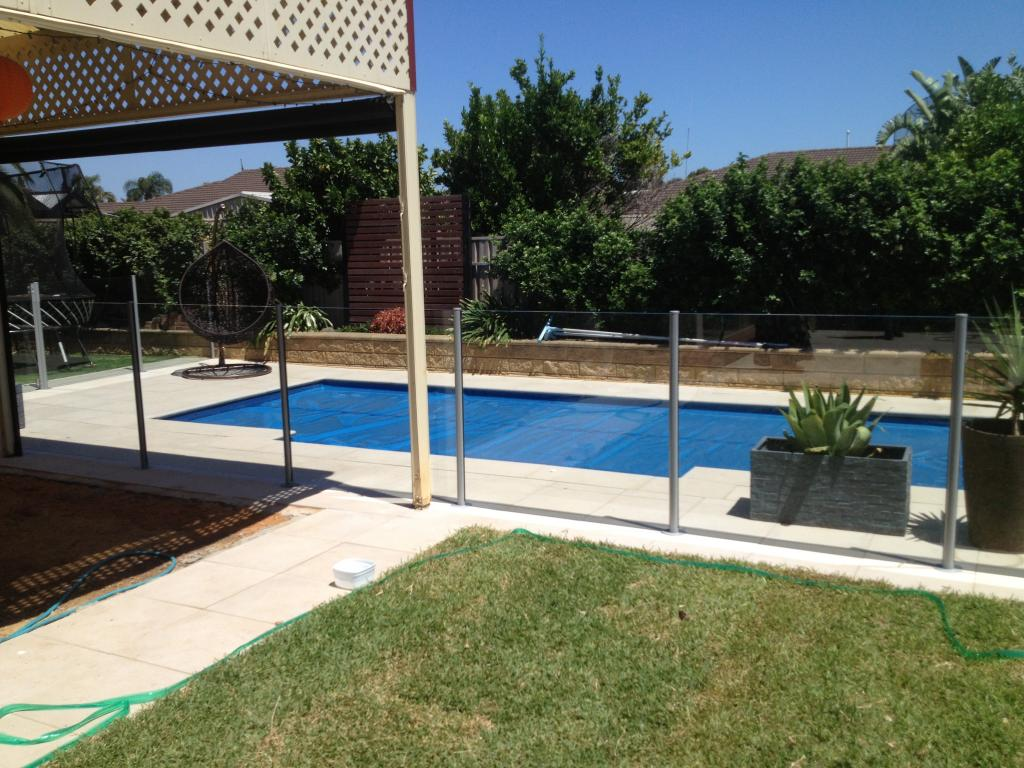 Pool fencing inspiration aussie tubular pty ltd for Inspiration pool cleaner