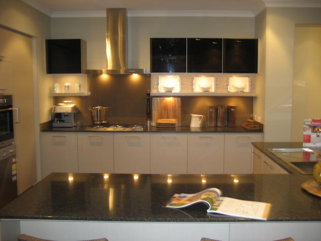 Kitchen Splashbacks 3 Images