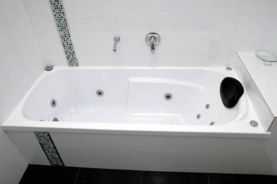 Bath Designs  by Rick s Home Improvements