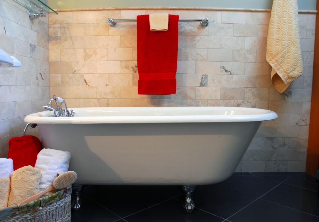 Your freestanding bath acrylic steel composite or for European steel enamel bathtub