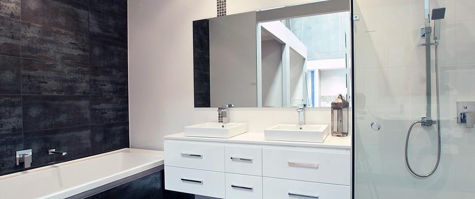 Bathroom renovations northern perth including stirling for Bathroom cabinets joondalup
