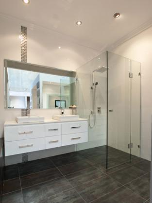 Small Queenslander Bathroom bathroom design ideas - get inspiredphotos of bathrooms from