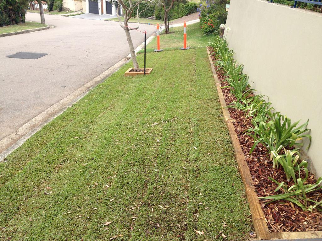 Think landscape landscaping garden design lorn for Home and garden maintenance services