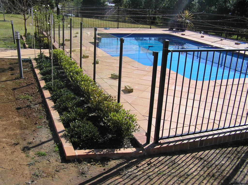 Gardens & Pool Surrounds