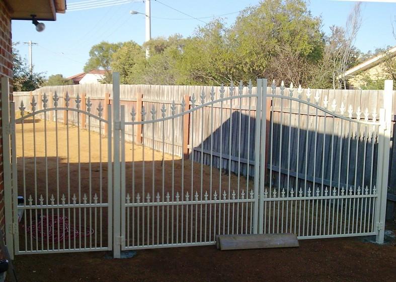 Custom Fencing Canberra Region Queanbeyan Amp Surrounding