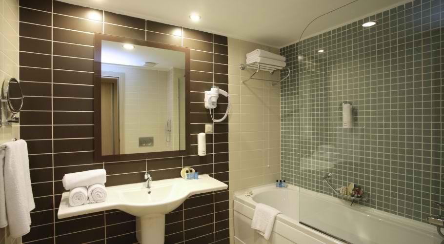 Bathroom Tile Design Ideas by Nu Look Renovations