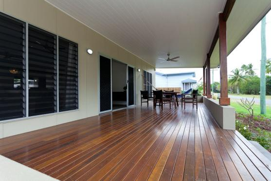 Composite Decking Designs by Julianne McAlloon Architects
