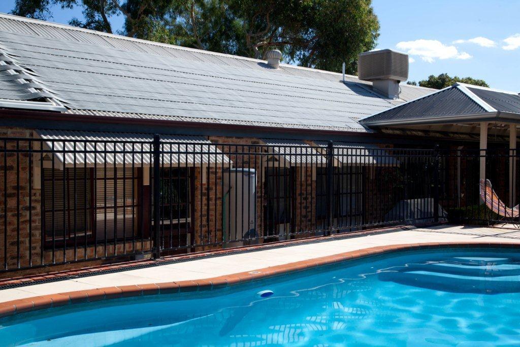 Pool solar spa malaga western australia malcolm for Pool show perth