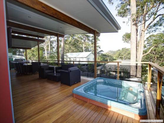 Elevated Decking Ideas by Gravity Homes Pty Ltd