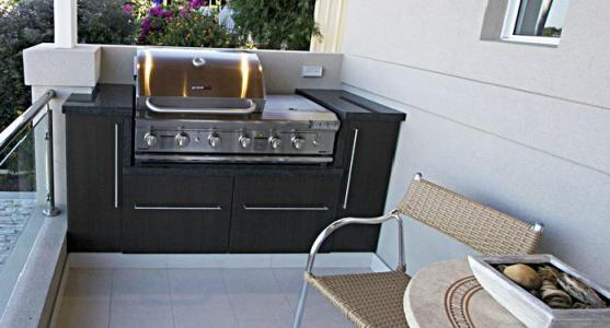 Outdoor Kitchen Ideas by Vestra Personal Builders