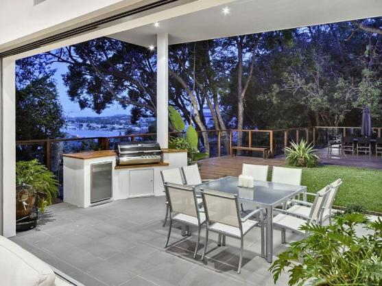 Outdoor Kitchen Ideas by P2P Construction Solutions