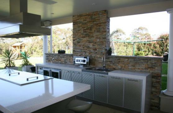 Outdoor Kitchen Ideas by Blue tongue group