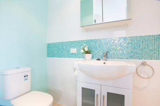 Bathroom Tile Design Ideas by KAD Building Solutions