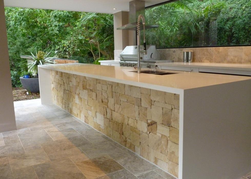 10 best outdoor kitchen appliances