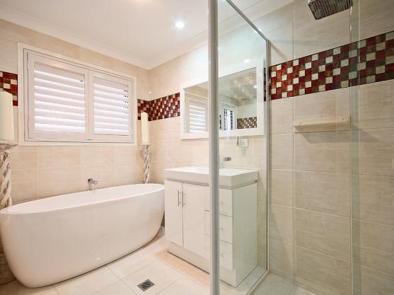Get inspired by photos of freestanding baths from for Bathroom design brisbane queensland