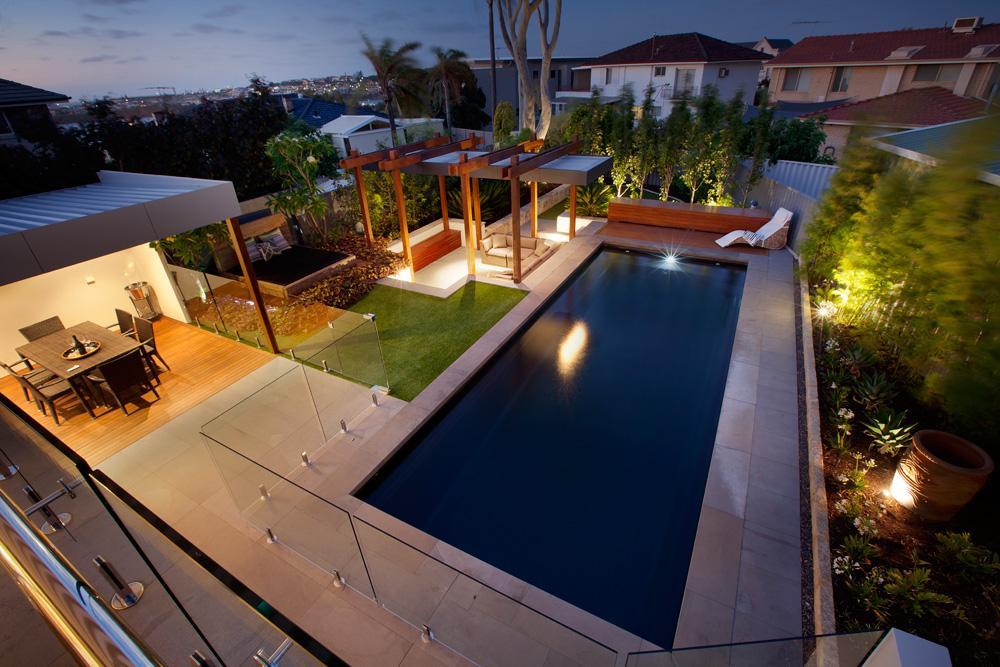 10 hot landscaping trends for Pool design trends