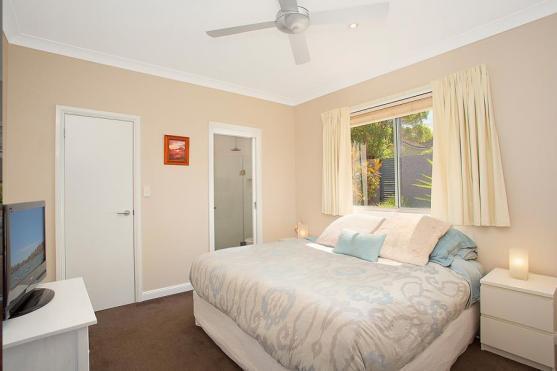 Bedroom Design Ideas by Hype Building