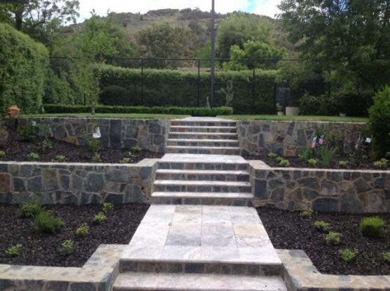 Retaining Wall Design Ideas by gardengigs