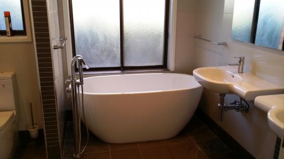 Freestanding Bath Design Ideas by PR Renovations