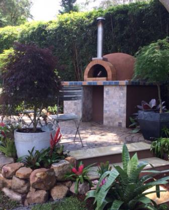 Outdoor Kitchen Ideas by Flamingo Landscapes Pty Ltd
