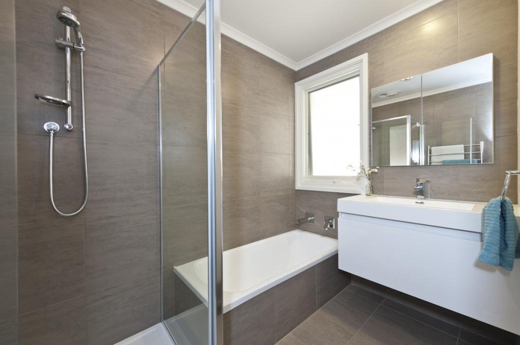 Bathroom design trends to look out for in 2015 for On trend bathroom colours