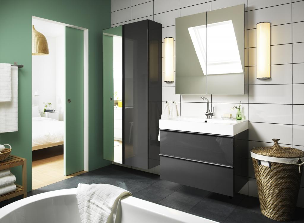 Ensuite bathroom design ideas for Meuble mural noir brillant