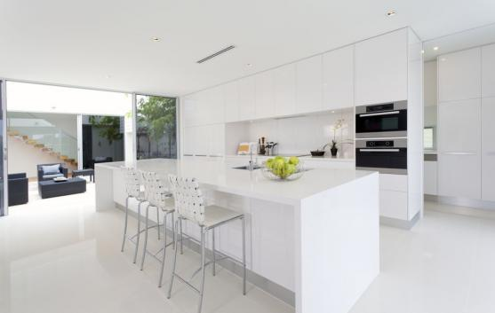 Kitchen Island Design Ideas by DREAM DOORS QLD PTY LTD