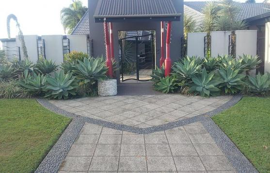 Get inspired by photos of paving from australian designers for Adelaide landscaping companies