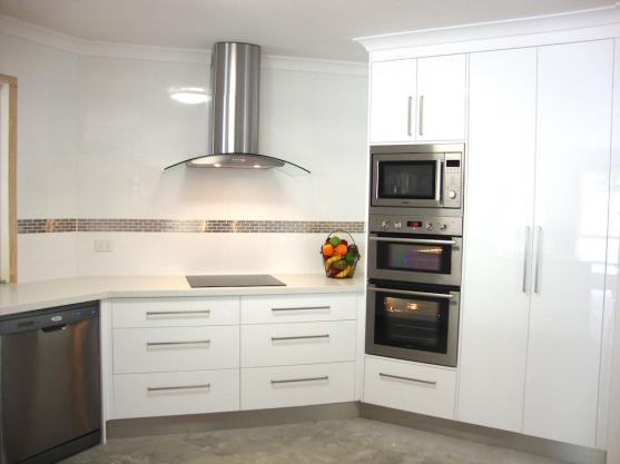 Kitchen Tile Design Ideas by A & R Cabinets and Trade Wardrobes