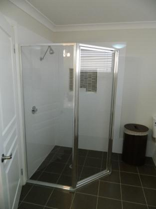 Shower Design Ideas by Artworx Bathrooms and Kitchens