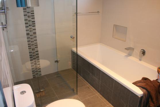 Bathroom Tile Design Ideas by iBM Tiling Services