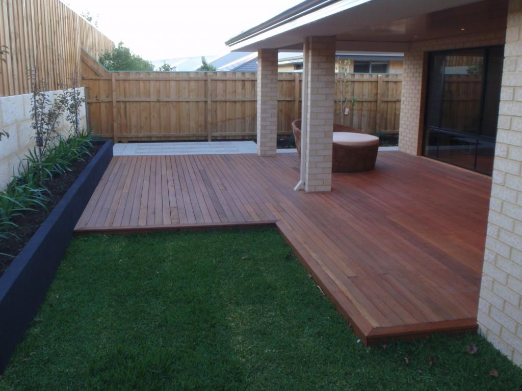 B m outdoor features all of perth max bacon ash mote for Timber deck construction