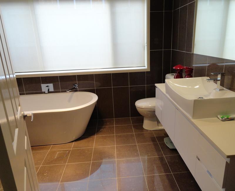 Baths inspiration bathrooms r us australia hipages for Bathroom renovations campbelltown