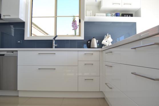 Kitchen Handles Design Ideas by I & F Bathrooms