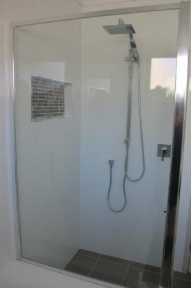 Frameless Shower Screen Designs by MacArthur Glass