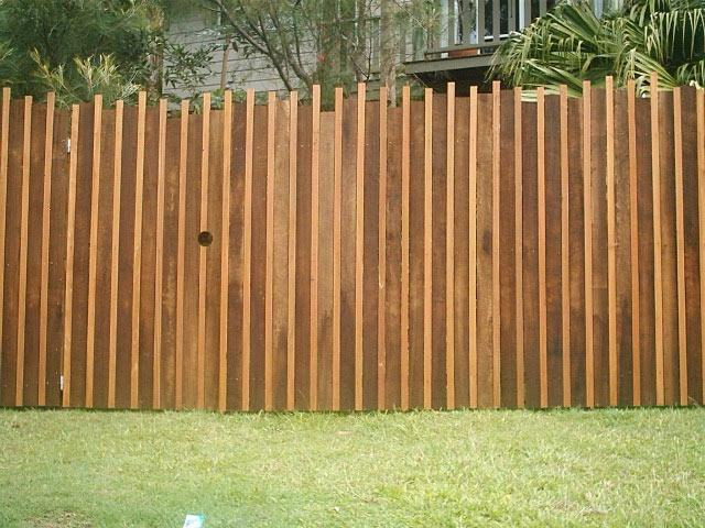 5 Fencing Styles To Consider