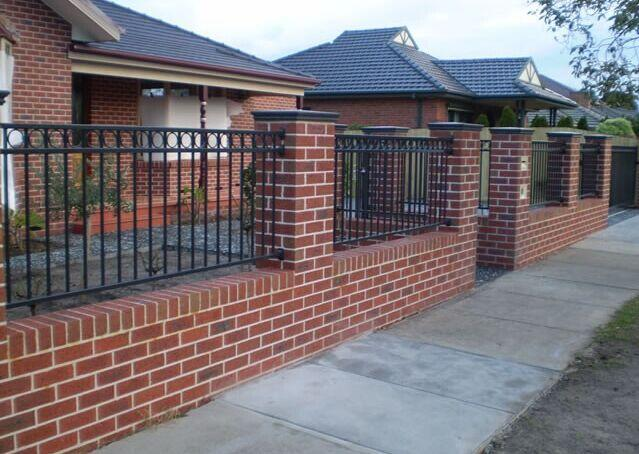 5 garden fencing ideas for australian homes for Brick and wrought iron fence designs