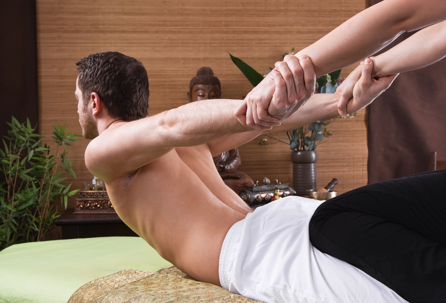 What is Thai Massage, How It Work & Its Health Benefits?