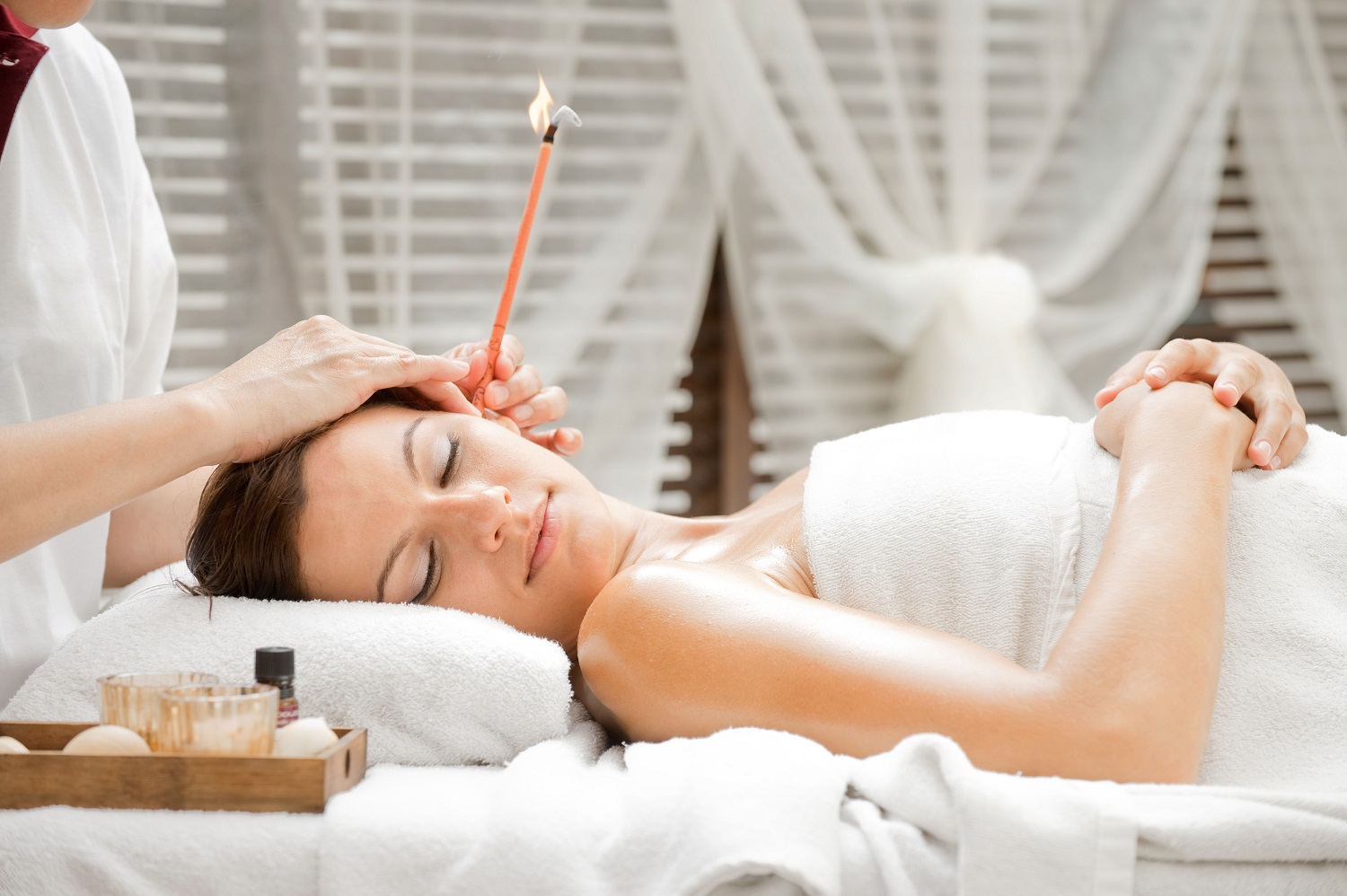 What is Ear Candling & How Do Ear Candles Work?
