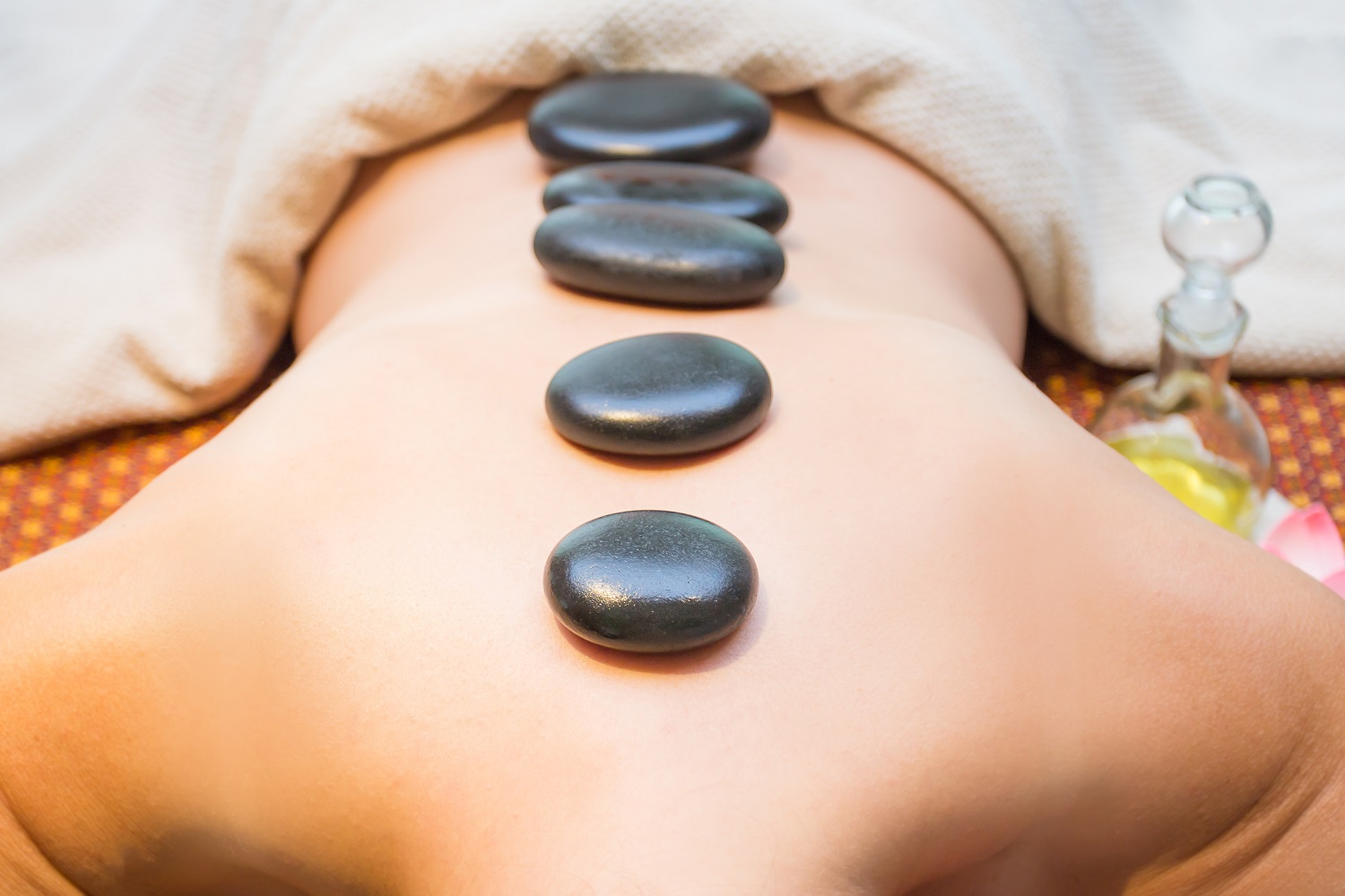 What is Stone Massage Therapy and Its Benefits?